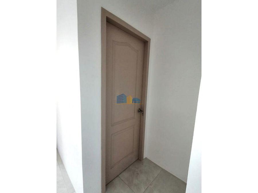 casa de 6 habitaciones sector norte de manta
