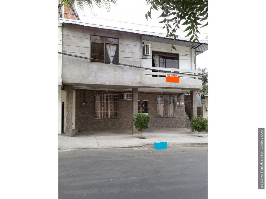 se vende casa calle 16 ave 27 centro de manta