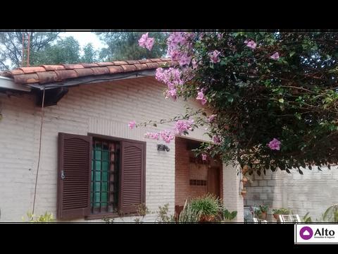 hermosa esquina casa alto pinar luque