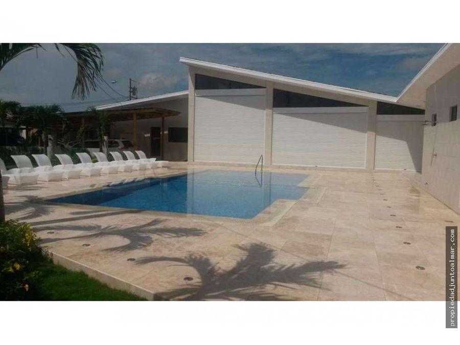 se vende increible casa de playa en punta paraiso