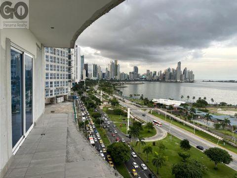 venta de apartamento en the sands en avenida balboa frente al mar