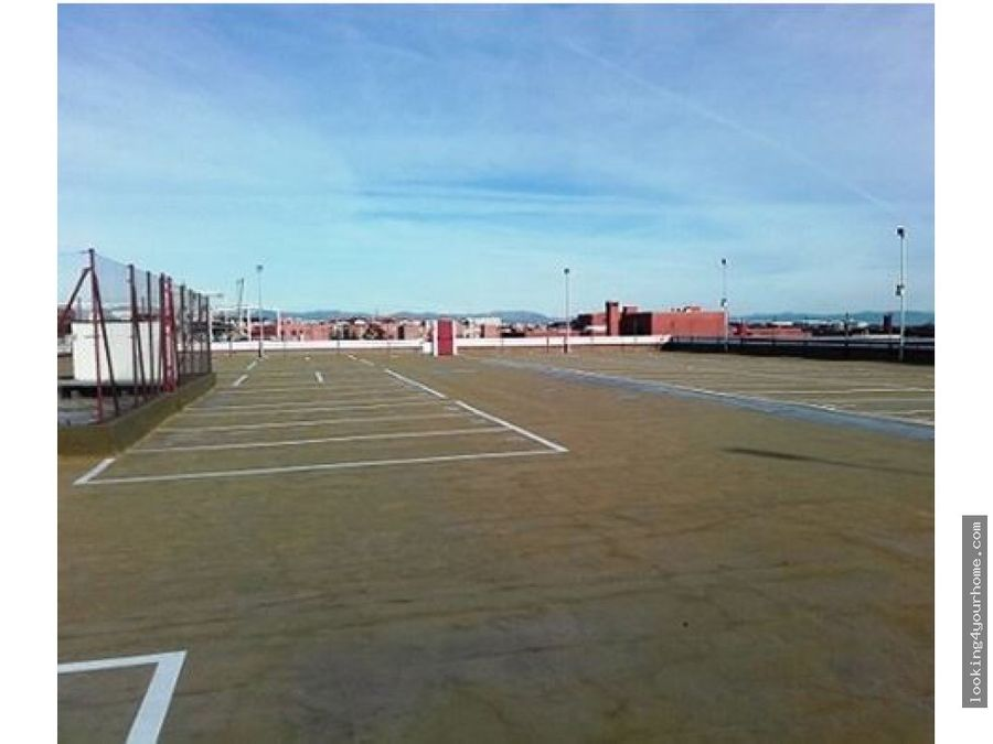 168 plazas de parking en julian camarillo