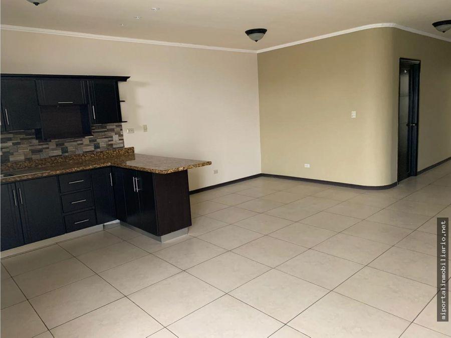 oportunidad de apartamento en zona exclusiva