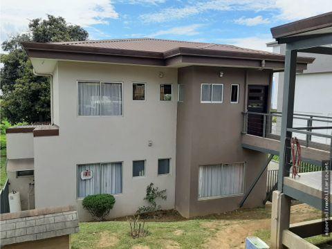 se vende casa en residencial naturaleza del este