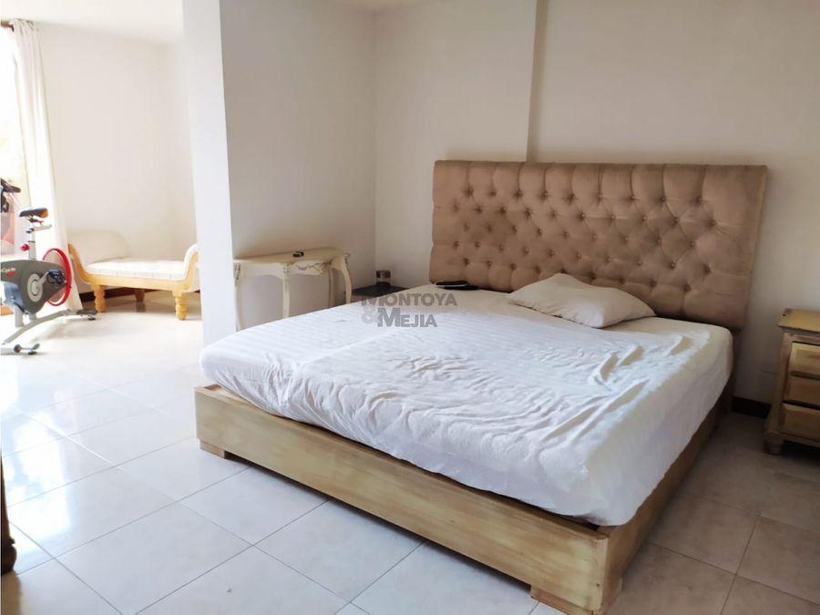 amplio apartamento para la venta en la transversal inferior