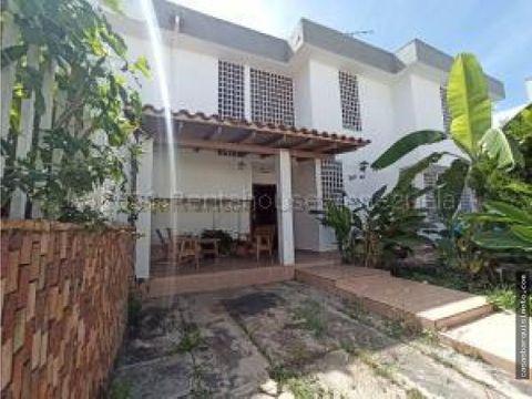 amplia y hermosa quinta en venta barquisimeto 21 6440 rj