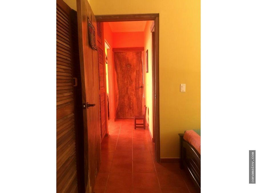 se vende excelente casa en taboga 3848dm
