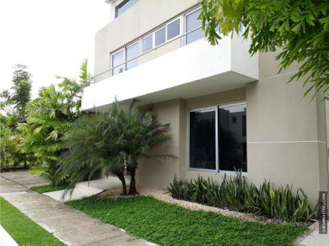 se vende o se alquila casa en costa sur 5117dm