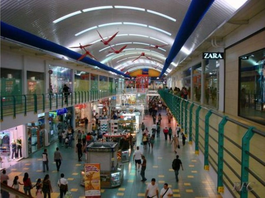 alquilo local comercial santiago mall id4227jd