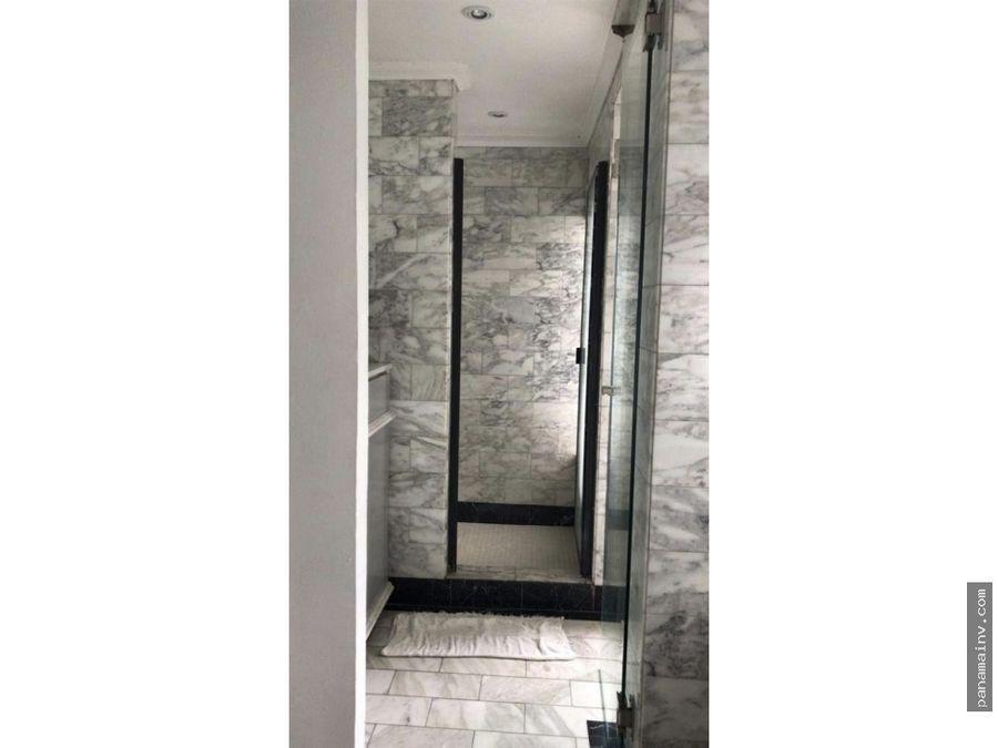 se alquila hermosa casa de 3 pisos en marbella 4911vk