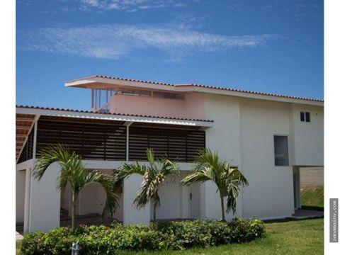 se vende casa en paraiso point 3345dm