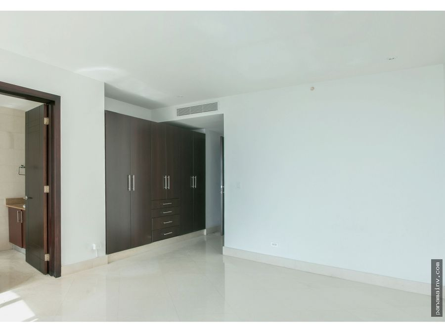 se alquila apartamento en the point 5071dm
