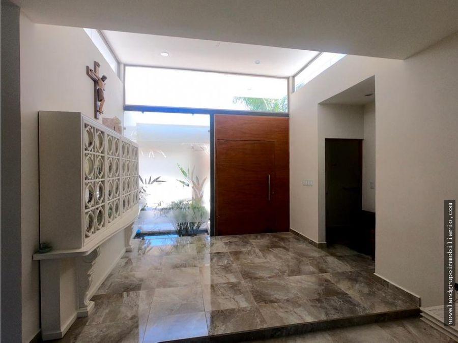 casa en venta privada monterreal