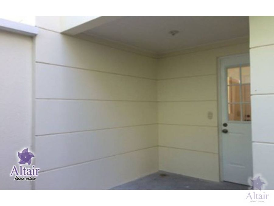 se vende o se alquila casa en portal del bosque