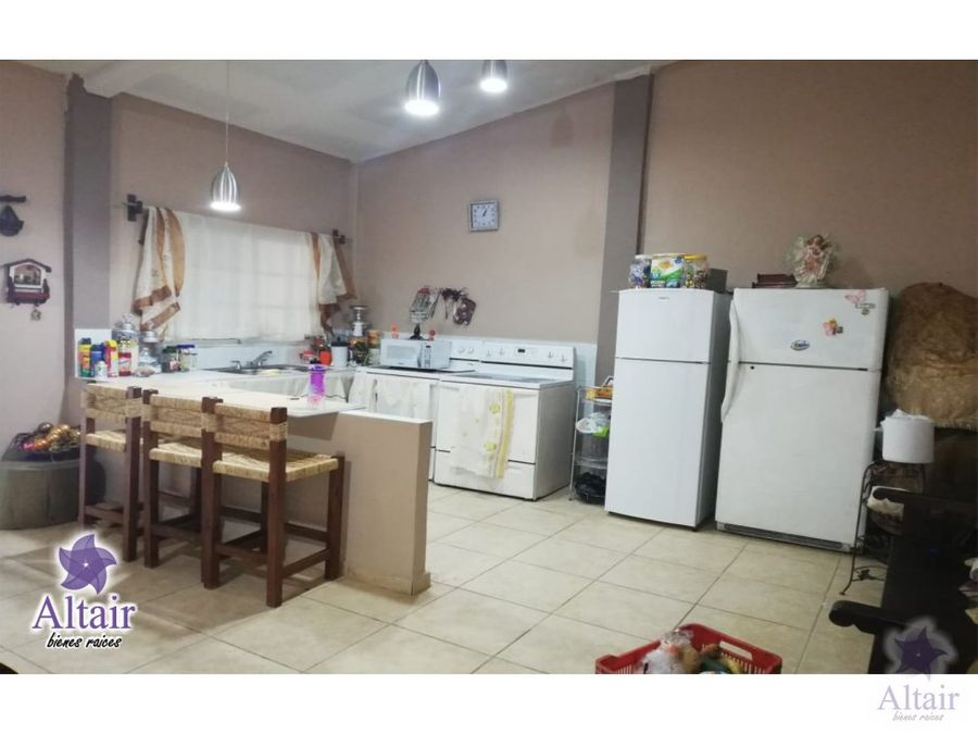 se vende casa en valle de angeles