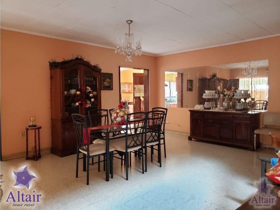 se vende casa en colonia humuya