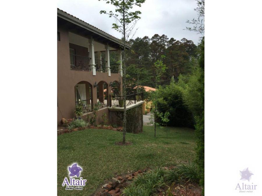 se vende casa el hatillo residencial entre pinos km 8