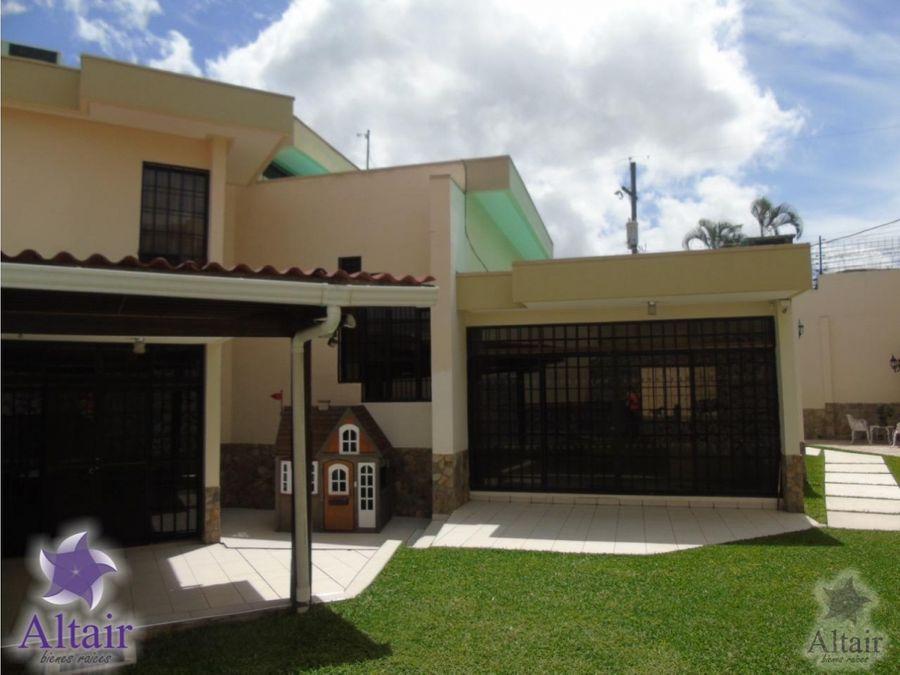 se vende o se alquila casa residencial lomas del mayab