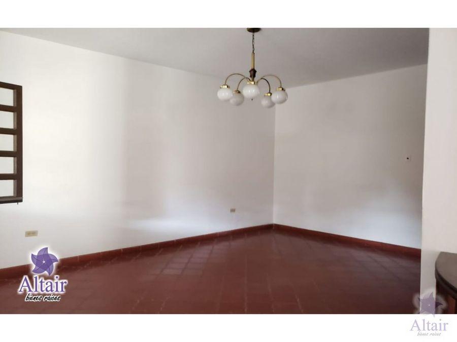 se vende casa en la 15 de septiembre 160000