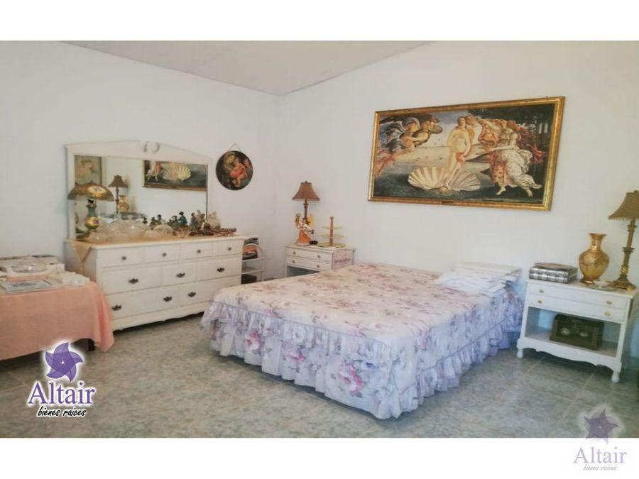 se vende o se alquila casa en las tres rosas valle de angeles