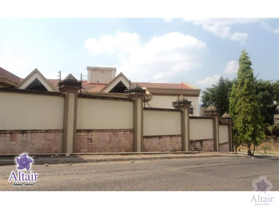 se vende casa colonia montecarlo a dos cuadras del boulevard morazan