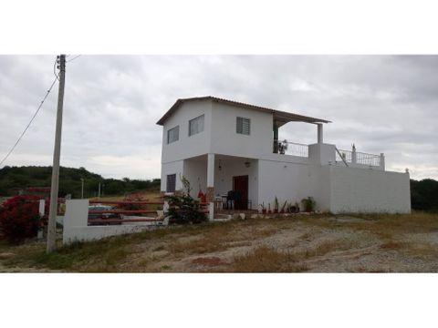 venta de casa con terreno lotizacion punta blanca prov santa elena