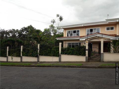 se vende casa con terreno en zapote