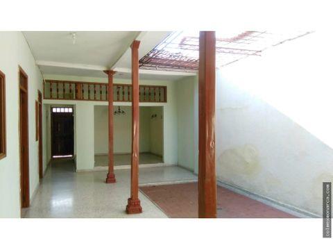 permuta hermosa casa en barrio uribe palmira