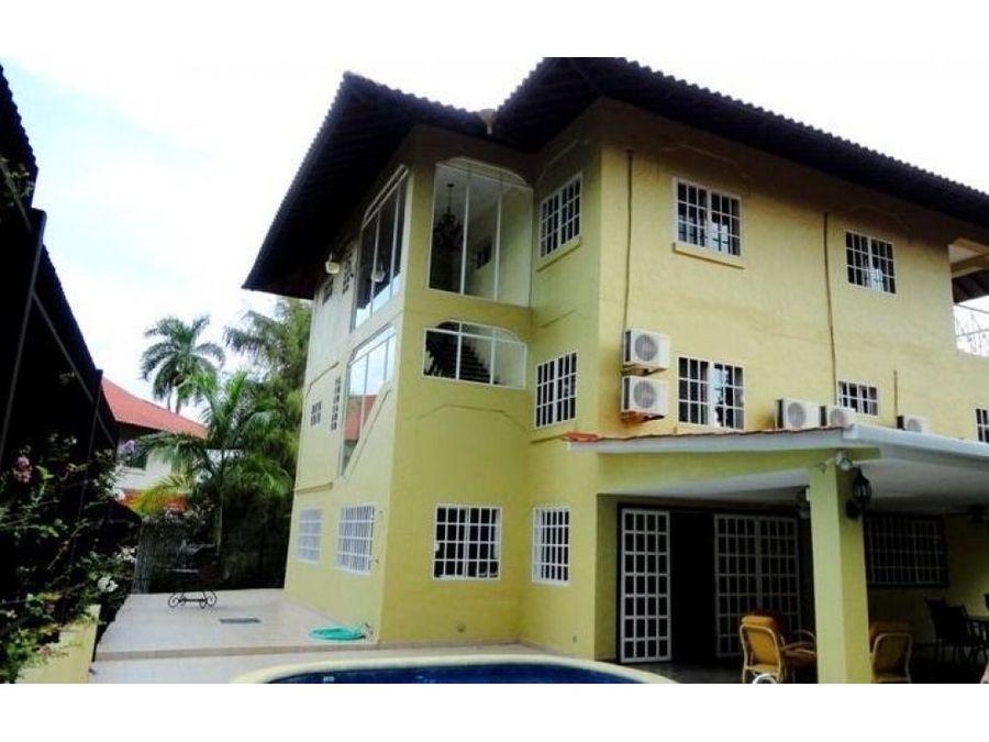 casa en venta en albrook id 11426