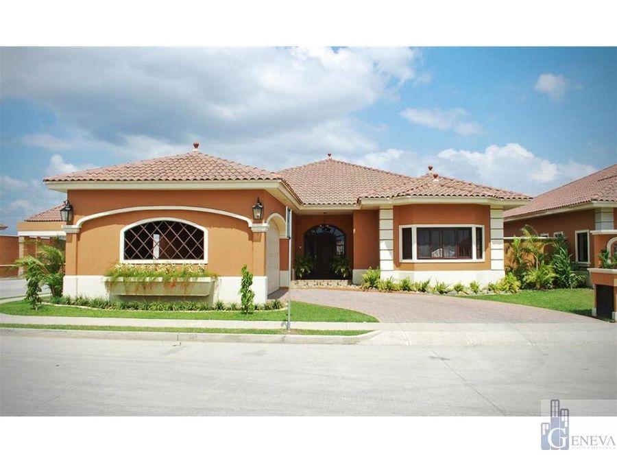 casa en venta en costa sur id 10862