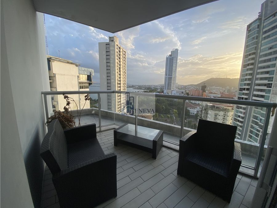 yacht club avenida balboa