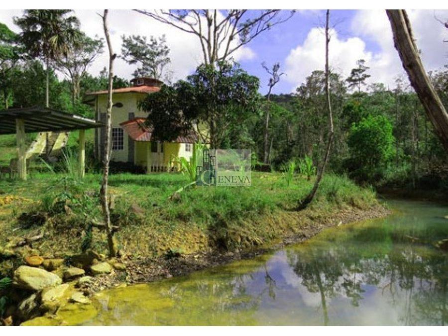 casa en venta en cerro azul id 10826