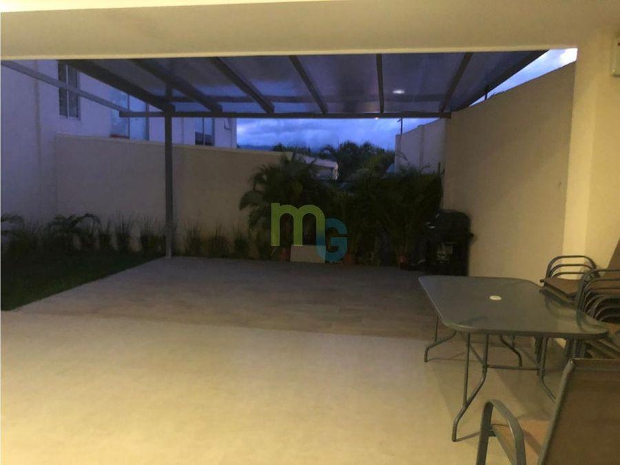 venta de apartamento en condominio en pinares