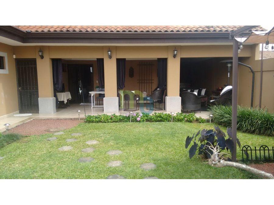 venta casa en residencial de lujo en curridabat