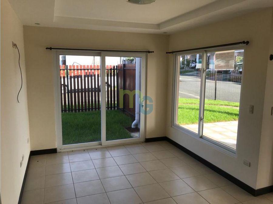 venta de casa de una planta en condominio en cartago