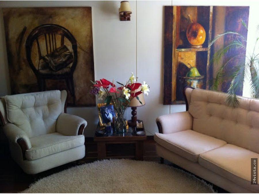 se vende casa en caobos salazar 128