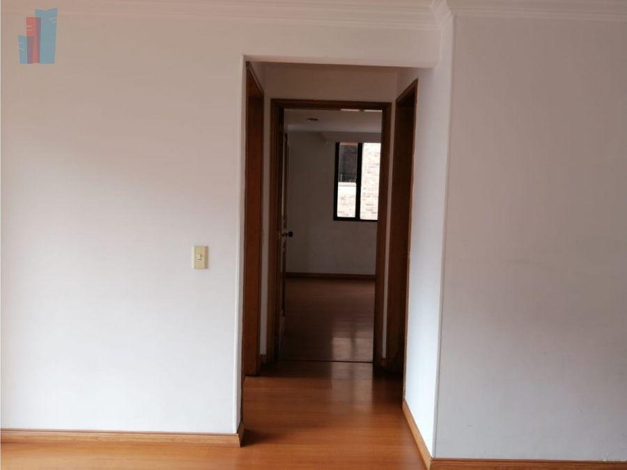 se arrienda apartamento en el chico