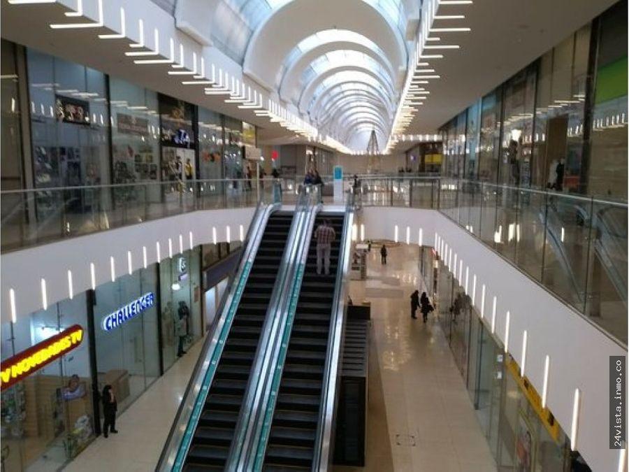 se arrienda isla en centro comercial metropolis