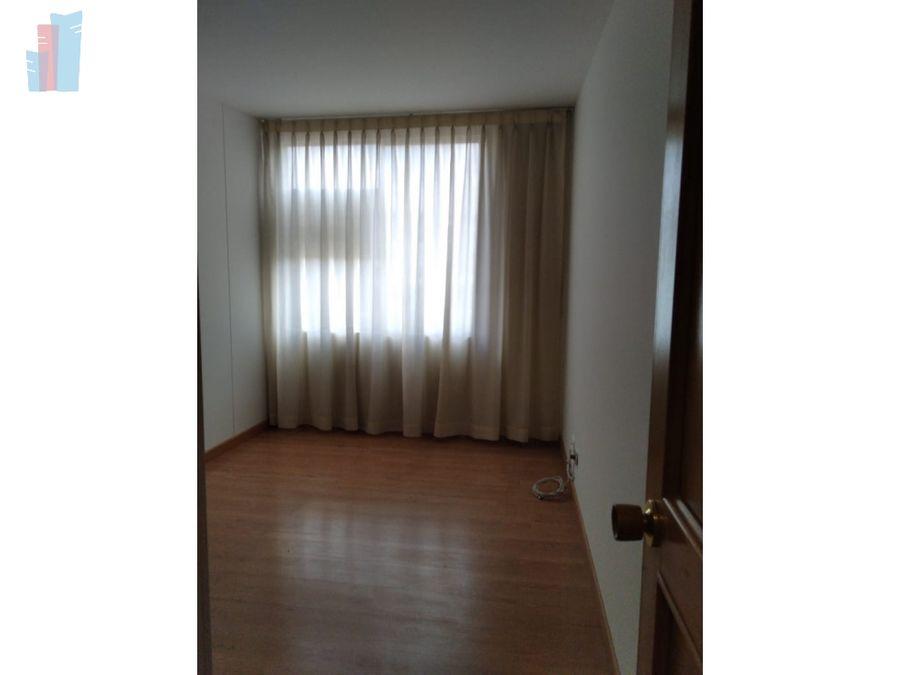 se arrienda apartamento en alhambra
