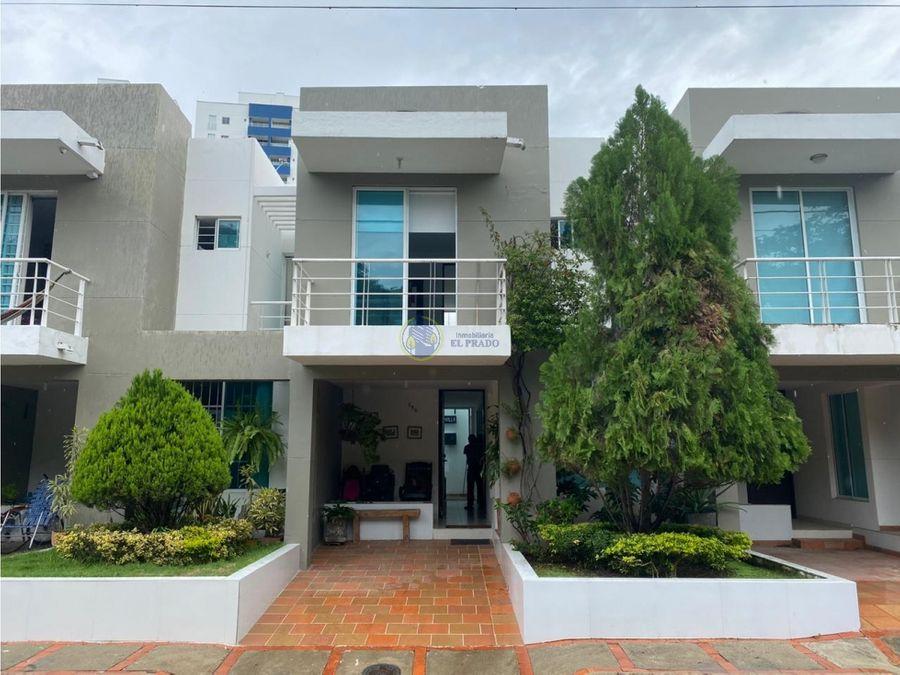 se vende casa en conjunto residencial villas del mayor