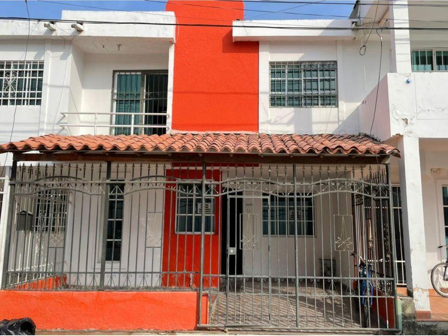 se vende casa en urbanizacion miracampestre