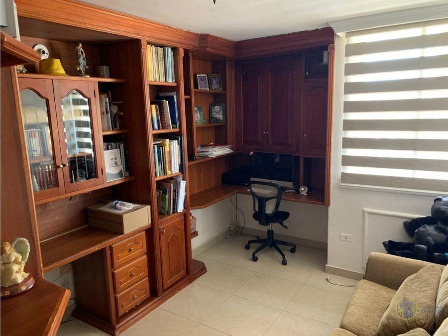 se vende apartamento en condominio palma real