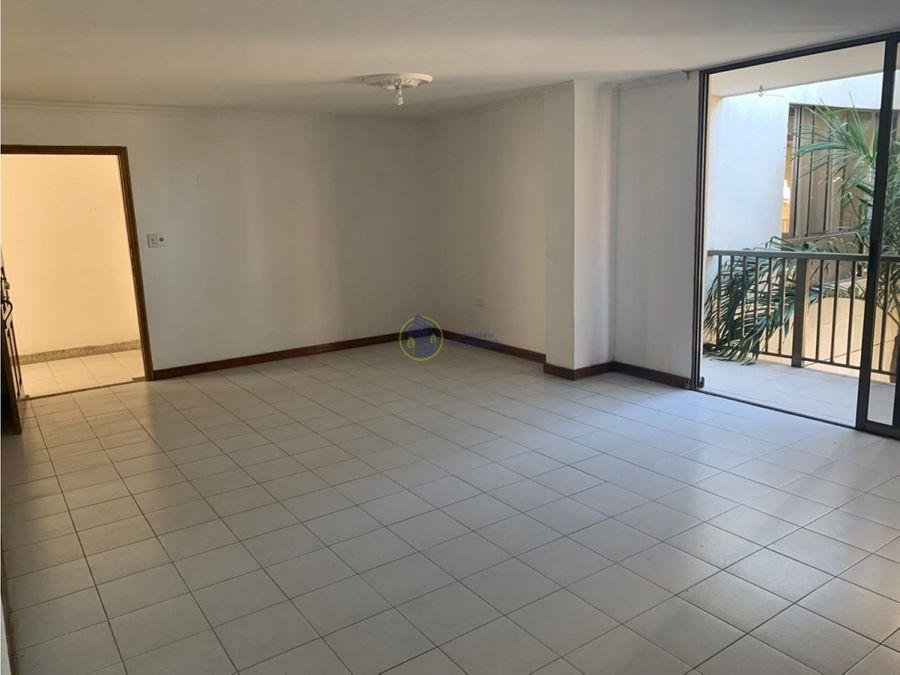se vende apartamento en edificio paulina