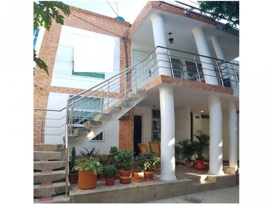 se vende casa en urbanizacion villas de alejnadria