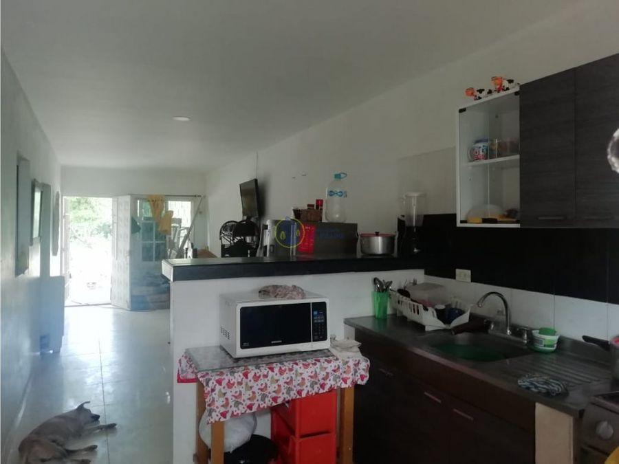 se vende casa en barrio cantilito