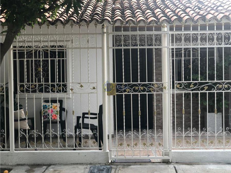 se vende casa en barrio tejares del libertador