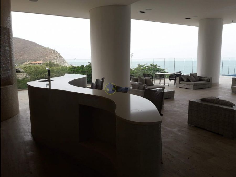 se vende apartamento en playa salguero