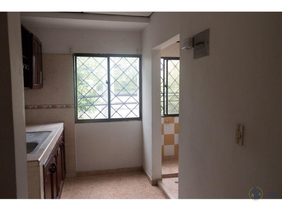 se vende casa y apartamentos en la esperanza