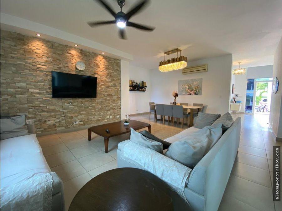 hermosa casa duplex en venta ubicada en altos de panama