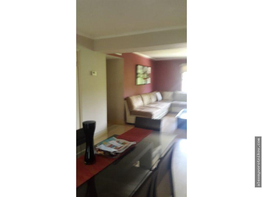 se vende amplio apartamento en clayton